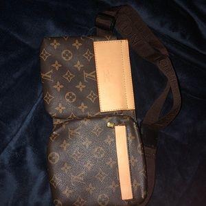 Luis Vuitton fanny pack
